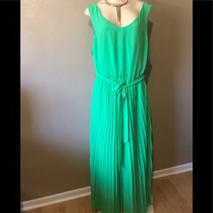New York & Co long pleated gown size XL,polyester